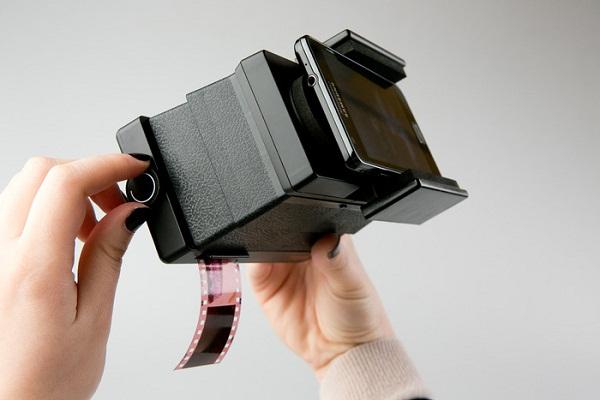 lomography-smartphone-film-scanner