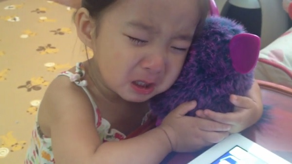 blog  little girl cried her heart out after furby died video